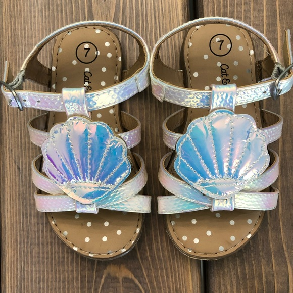 Other - Metallic Silver Sea Shell Sandals